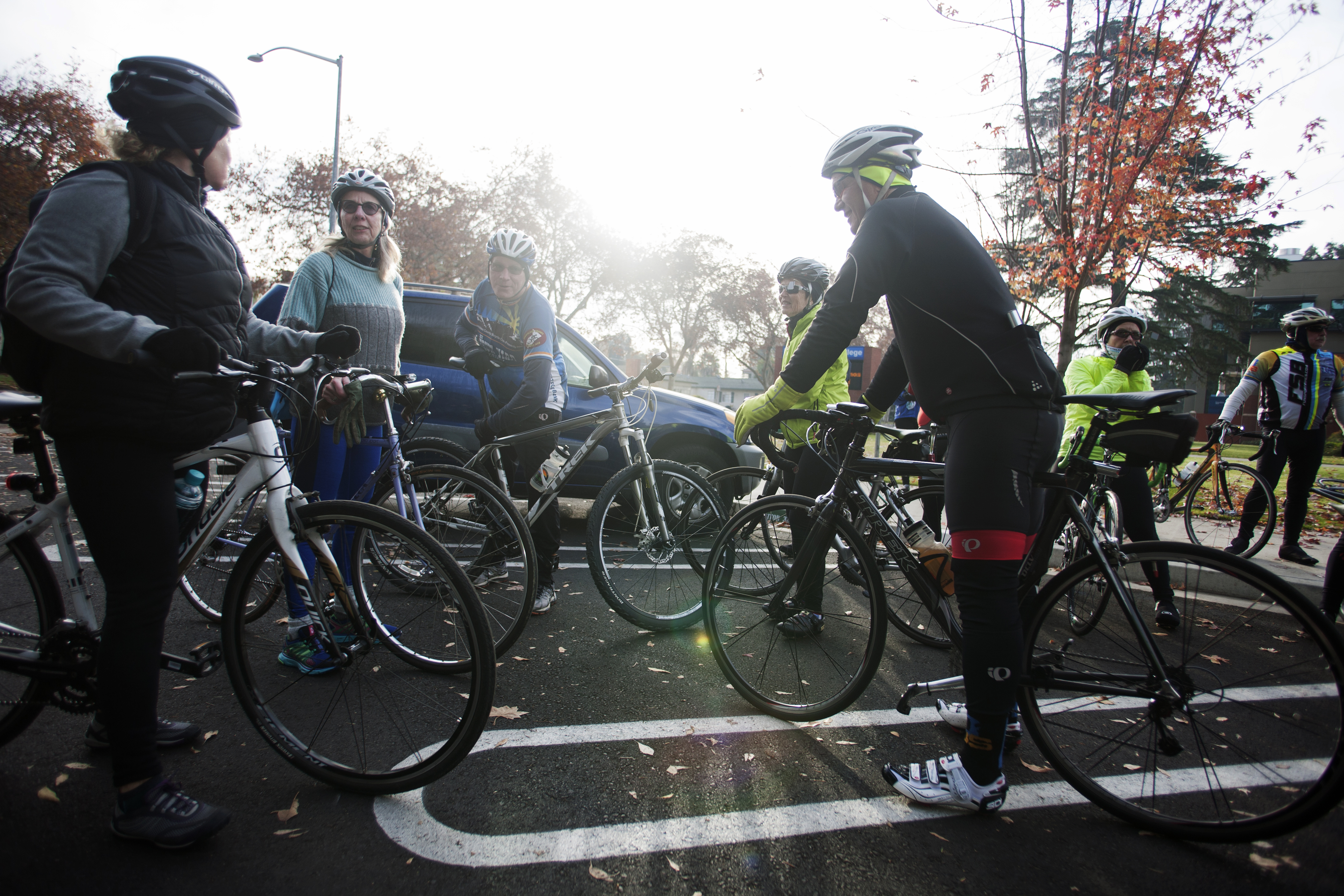 """Stanislaus County Bicycle Club members gather before its """"ride the gift of bike lanes."""" Photo: Minerva Perez"""